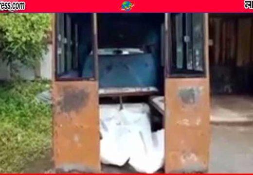ধামরাইয়ের সিলেটপাড়ায় খাটের ওপর পড়েছিল স্বামী-স্ত্রীর লাশ নিউজ ডেস্ক