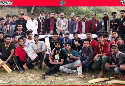 বড়লেখার শাহবাজপুরে 'বিজয় দিবস ক্রিকেট টুর্নামেন্ট'র ফাইনাল খেলা অনুষ্ঠিত