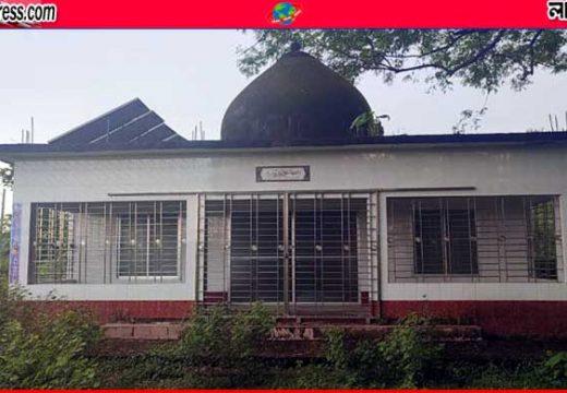 সুনামগঞ্জে ৬ বছর ধরে তালাবদ্ধ ৩০ লাখ টাকার মসজিদ
